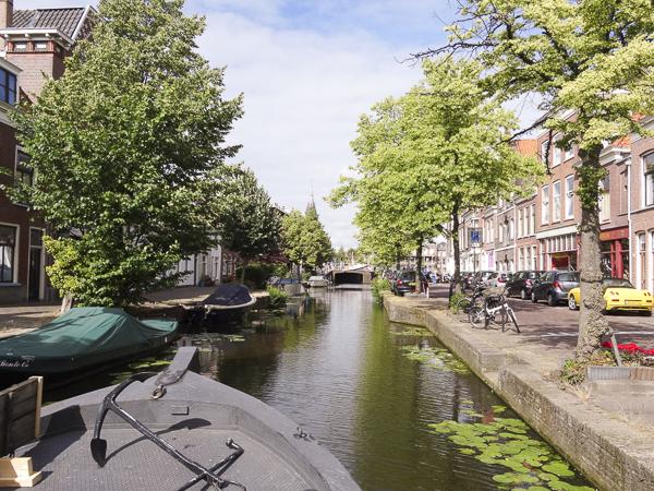 Delft binnenvaren over de Buitenwatersloot.