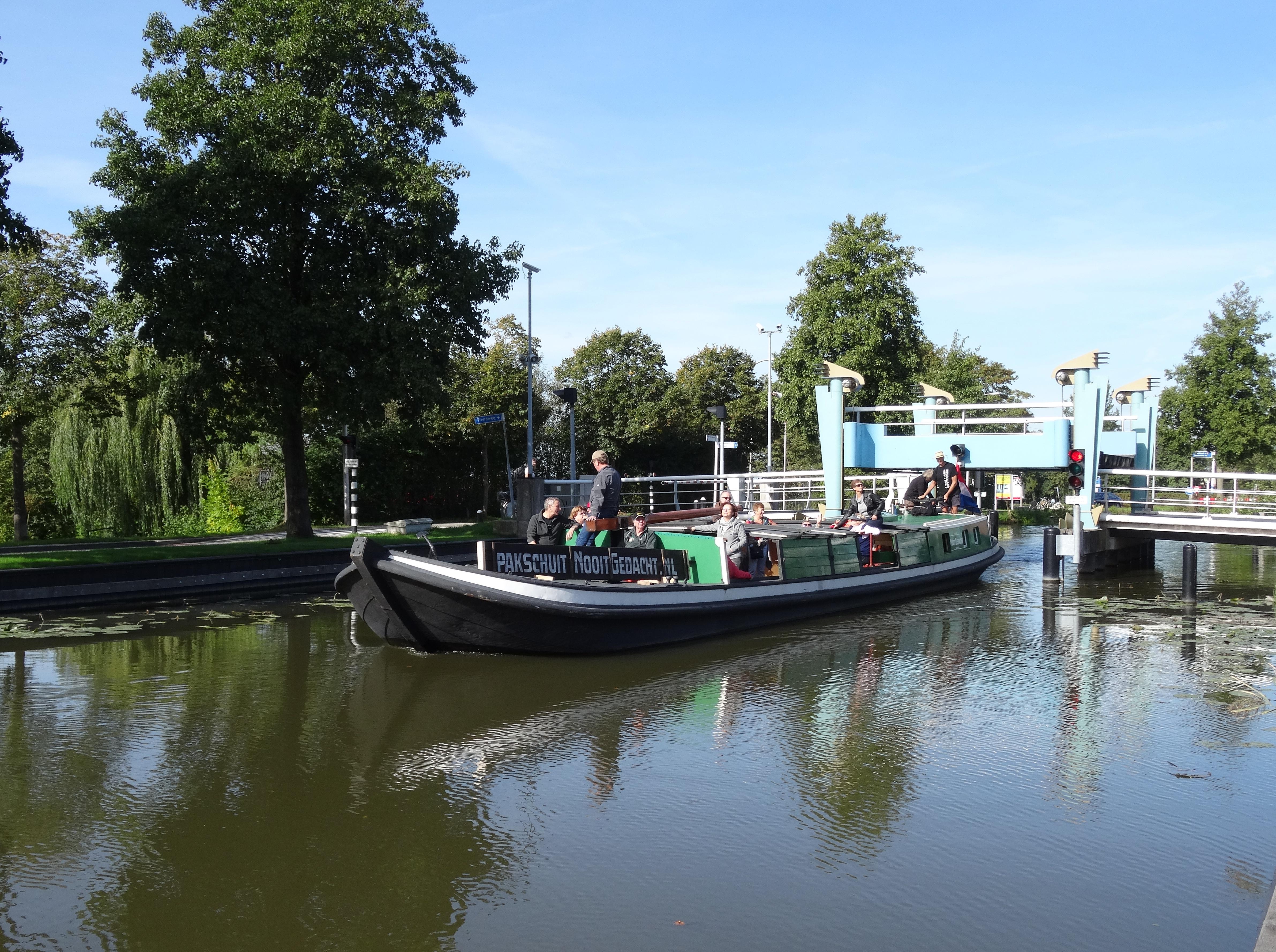 Doorvaart Kerkpolderbrug op weg naar Schipluiden.